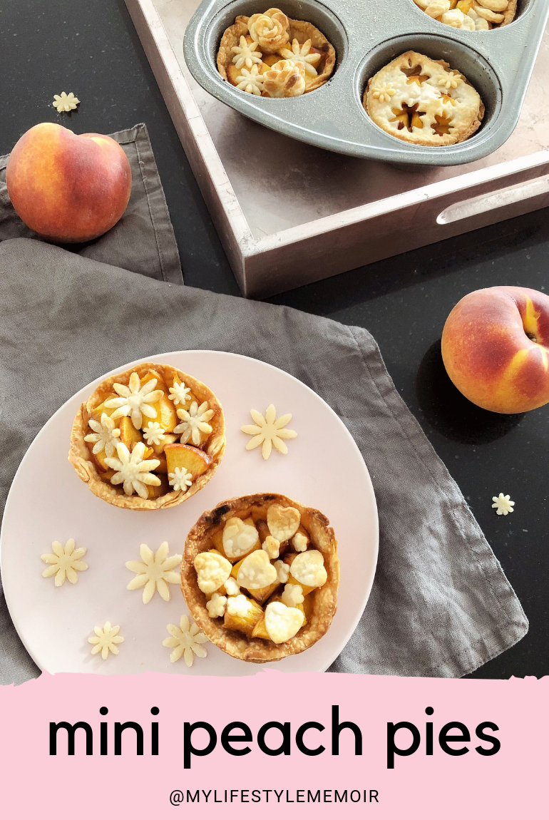 MINI PEACH PIE RECIPE - #minidesserts #minibaking #peachpies #pies #minipies