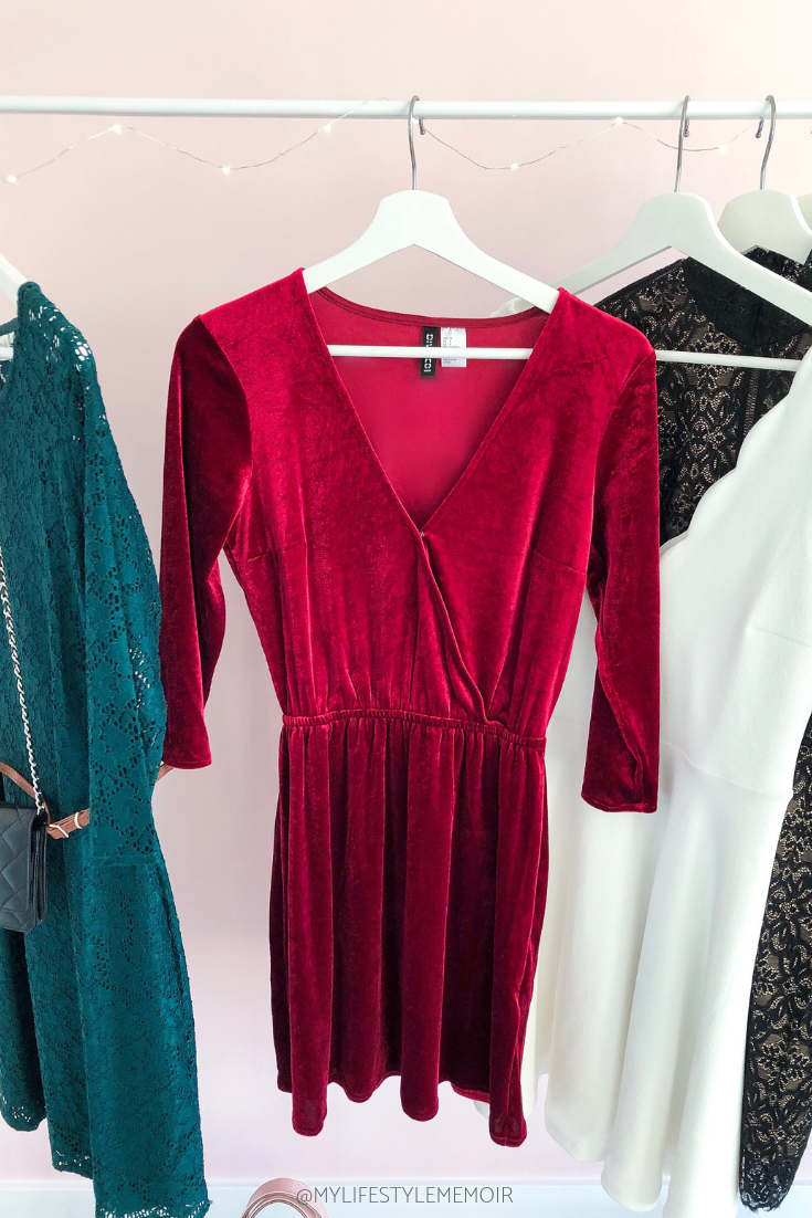 Christmas can be the most wonderful time of the year, but it comes at a cost. Not only do you need to budget for presents, but also for Christmas dresses. Check out this year's Christmas Dresses edition that won't break the bank. #christmas #party #christmasdress #partydress