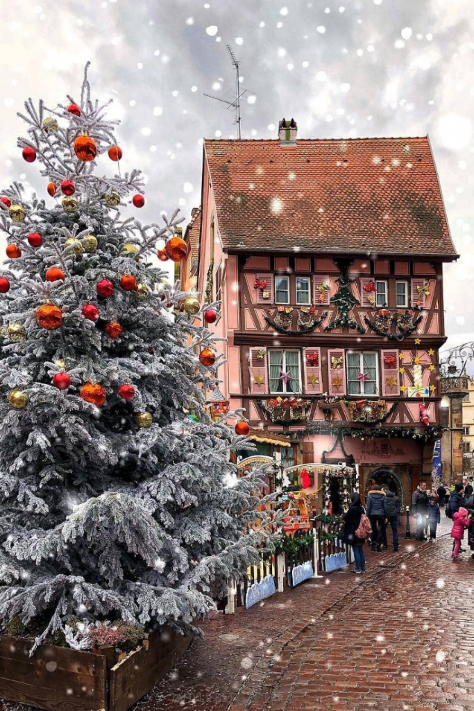 Are you a Christmas lover like I am!? Make sure to check out my blog post of some of my favorites Christmas Markets throughout Europe. #ChristmasMarkets #ChristmasMarket#Christmas2018 #Christmas#ChristmasFestival #ChristmasFestivals#Markets #Market #ChristmasCheer