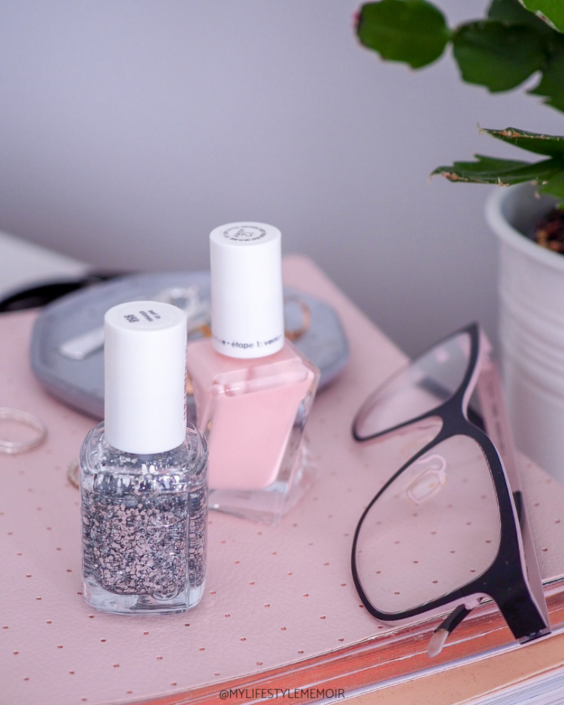Pregnancy comes with a lot of changes, but nothing could stop me from having pretty nails! Find out what nail color love I am crushing on! #pregnancy #nails #nailpolish #polish #nailcolor